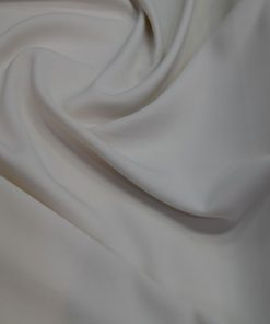 Kırık Beyaz Medine İpek Krep Kumaş