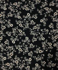 Beyaz Çiçek Desenli Akışkan Krep Kumaş S1